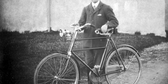 Coll Hotel, cyclist