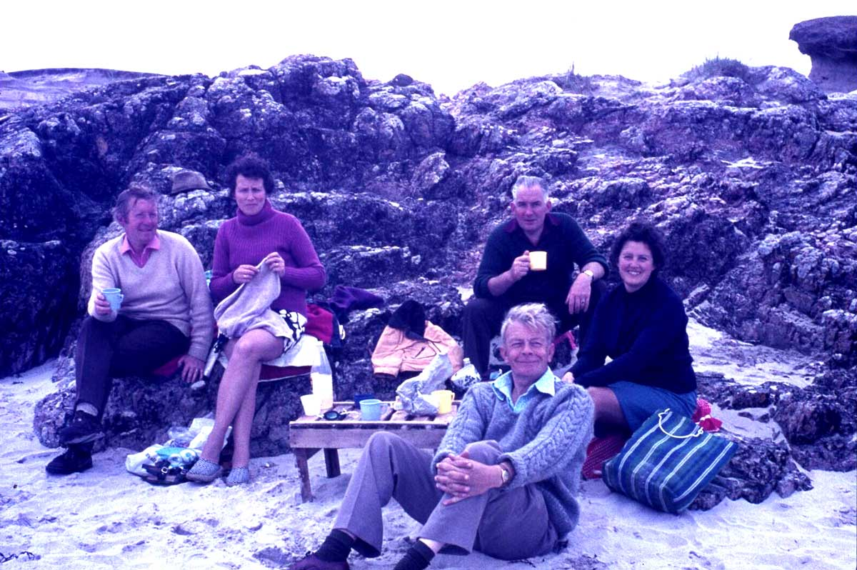 39.-Beach-picnic